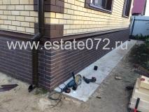 Монтаж цокольных панелей Docke-R Berg коричневый,водосточной системы Docke Lux